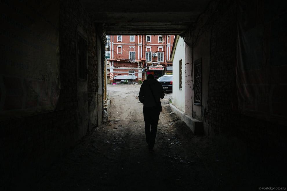 48. Стоит пройти 50 метров от Московской улицы, и тут же обнажается вся красота большинства рос