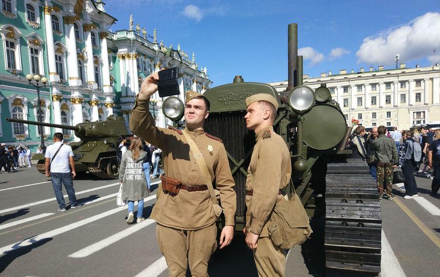 20170808_16-55-Военная техника прибыла на Дворцовую площадь~pic04