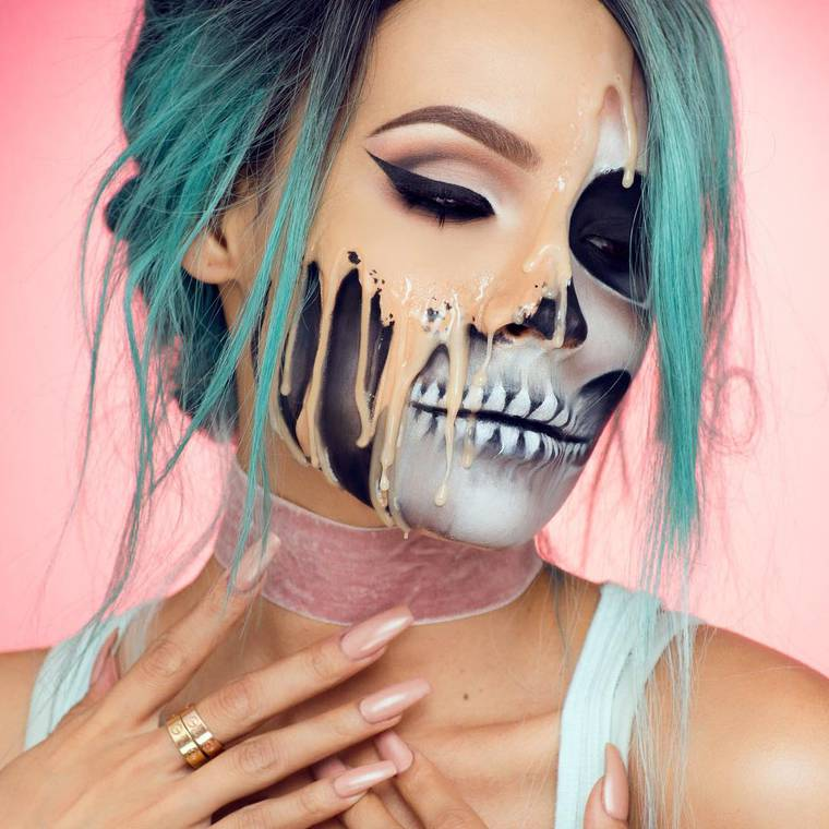 Melting Skull - An impressive makeup for Halloween