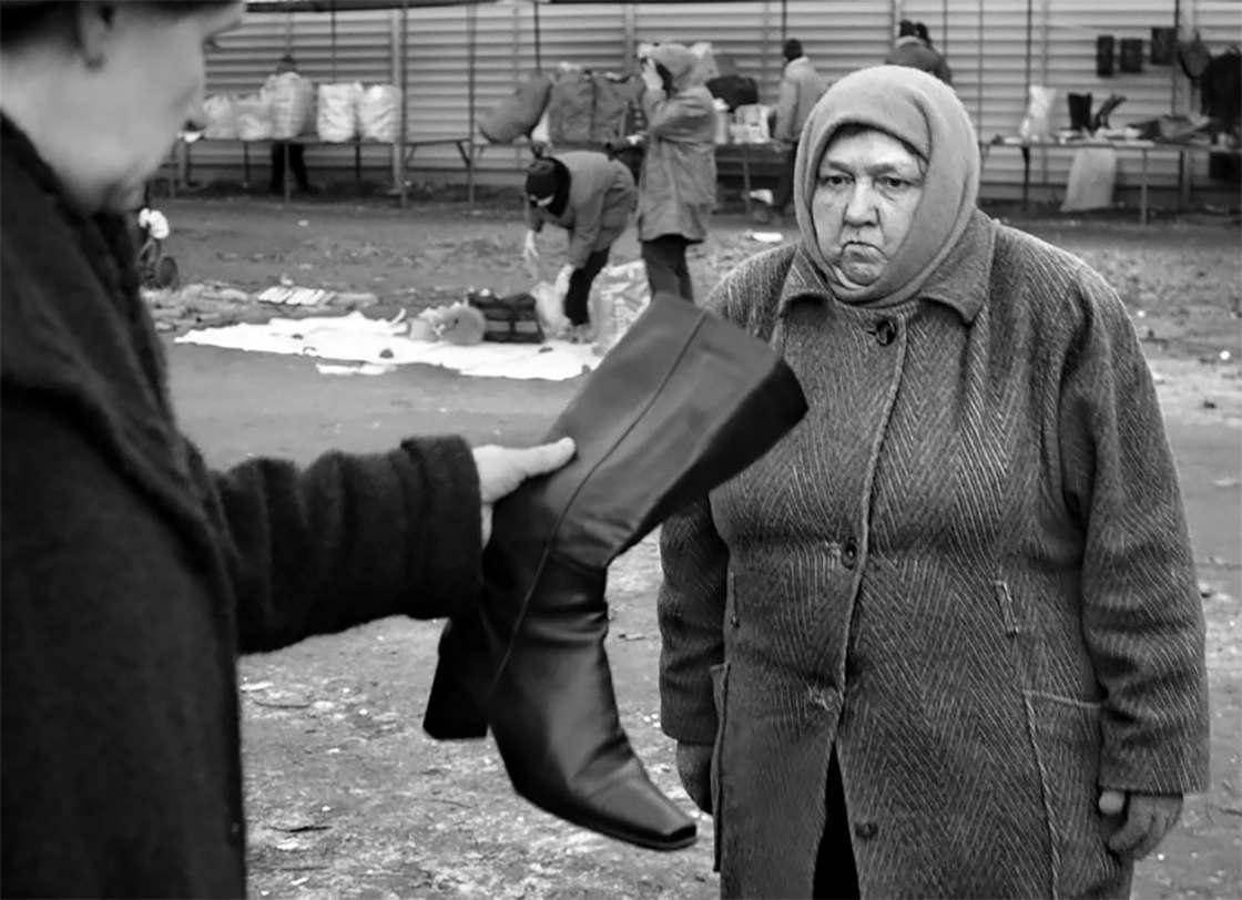 Weird Russia - The offbeat street photography of Alexander Petrosyan