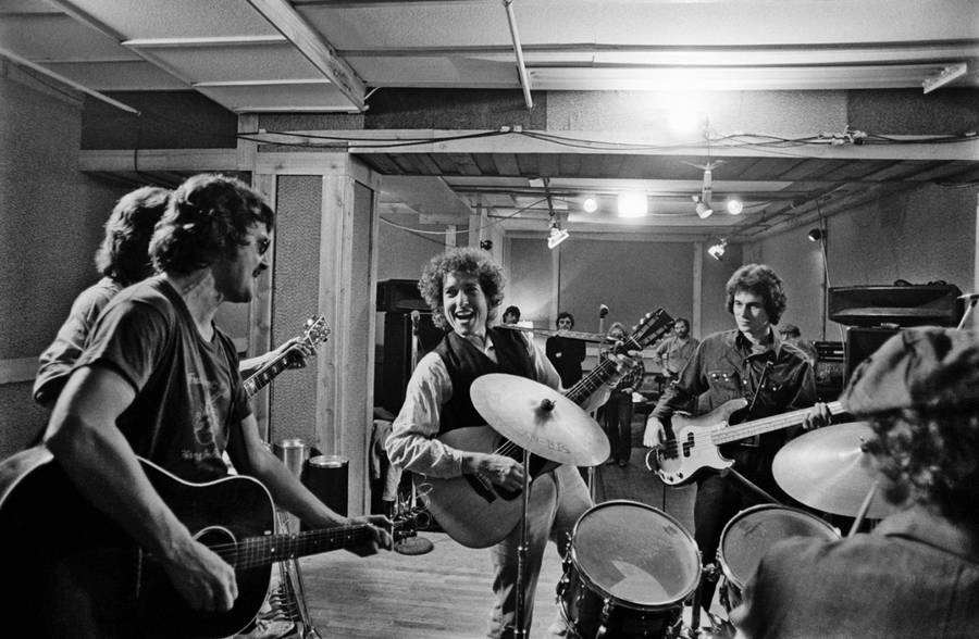 Intimate Backstage Photographs of Bob Dylan