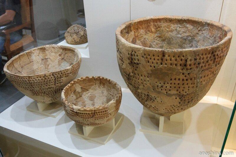 Ямочно-гребенчатая керамика (V-II тыс. до н.э.), Национальный музей Республики Карелия, Петрозаводск