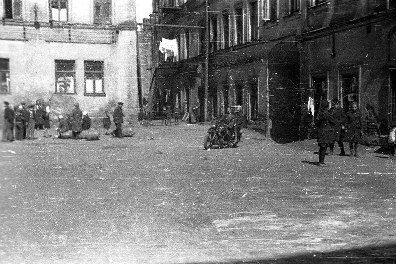 560824 Ул.Волхонка, дом 5-6, 1940 год Николаев Василий Сергеевич.jpg