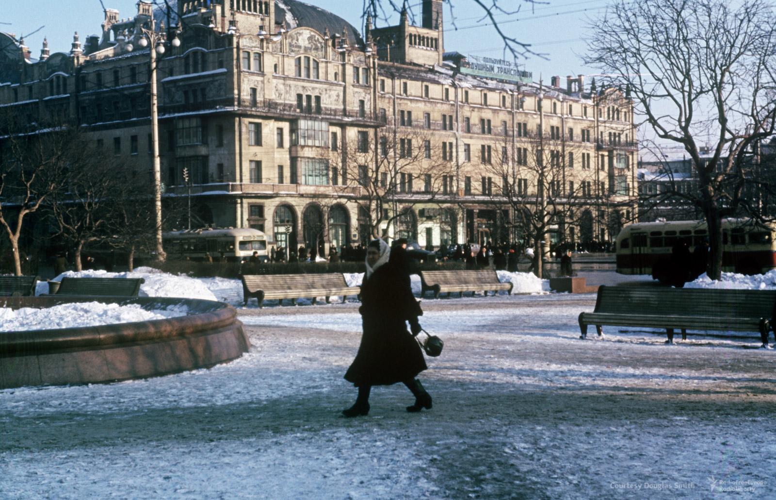 35. Площадь Свердлова