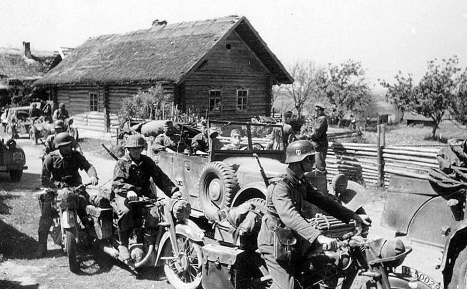 Kradschutzen of 3rd SS-Division Totenkopf...jpg