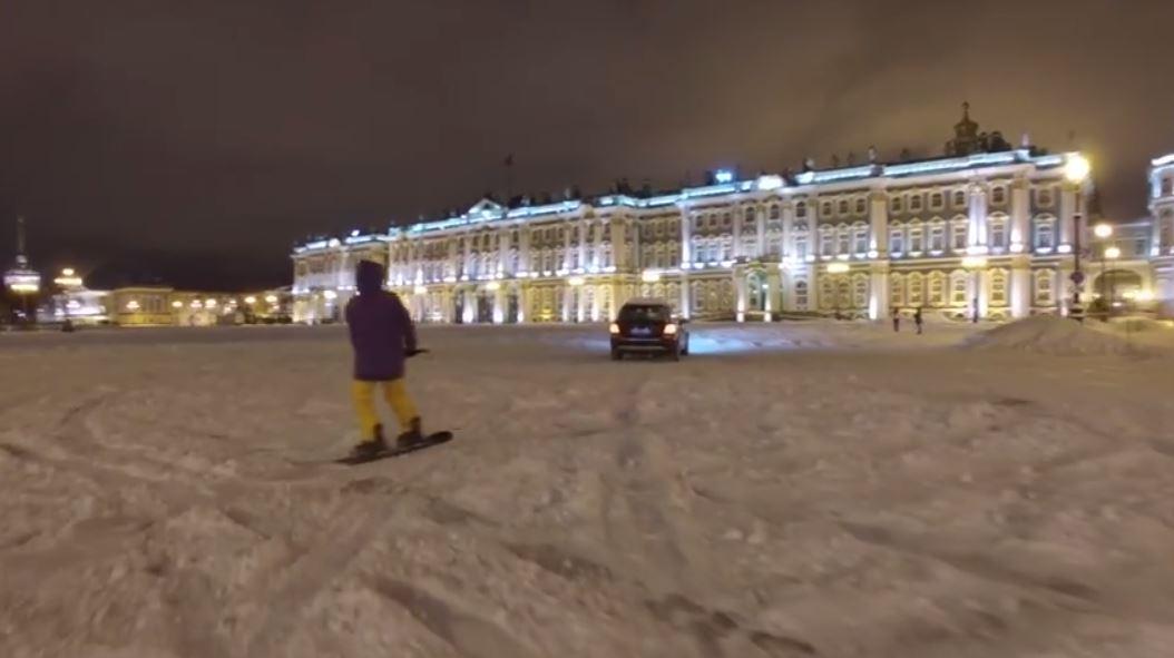На сноуборде по центру Питера