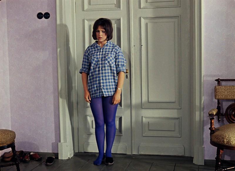 21. Кавказская пленница — Наташа Варлей. 1967 год. Последний писк моды — колготы. Да еще и синие. Да