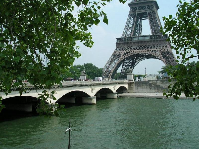 7. Понт дИена Париж, Франция В ваши парижские маршруты обязательно должен быть включен Понт д'