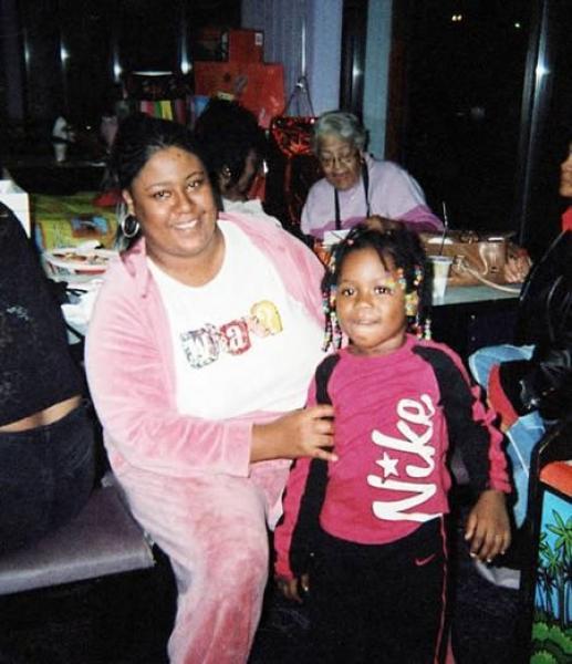Первокласница Алексис, которая учится в школе Кемпбела в Детройте, может считать себя ангелом-хранит