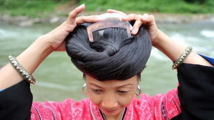 На протяжении десятилетий считалось, что роскошную копну волос видеть мог лишь муж китаянки в де