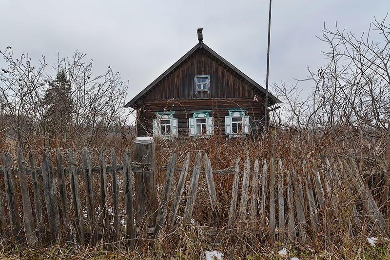 1. Обнаружили мы эту небольшую деревеньку, как обычно, случайно. По пути к другому пребывающему в за