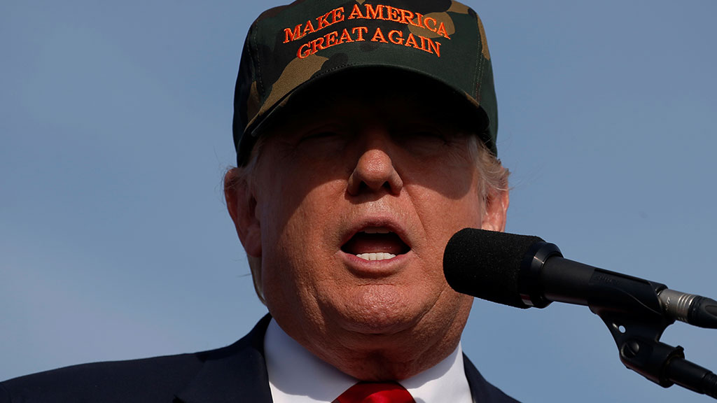 Клинтон лидирует сотрывом в9 процентных пунктов отТрампа— Опрос