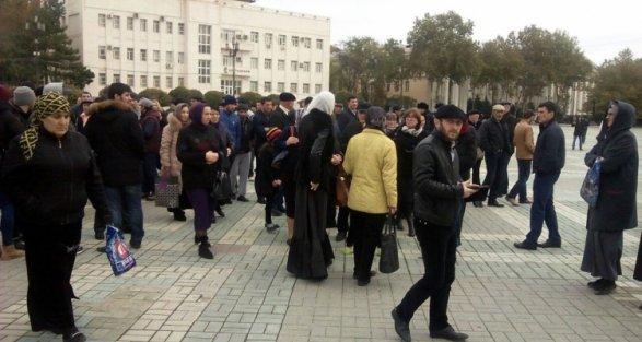 ВМахачкале проходят сразу два протестных митинга