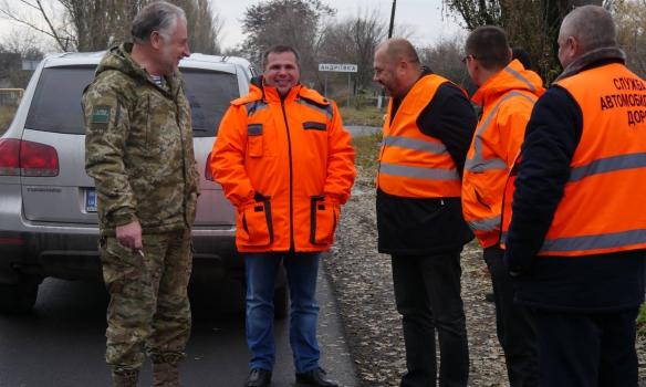 ВДонецкой области ремонтируют дороги, которые идут вобъезд Донецка