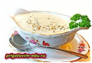 Соус из сушеных грибов со сливками