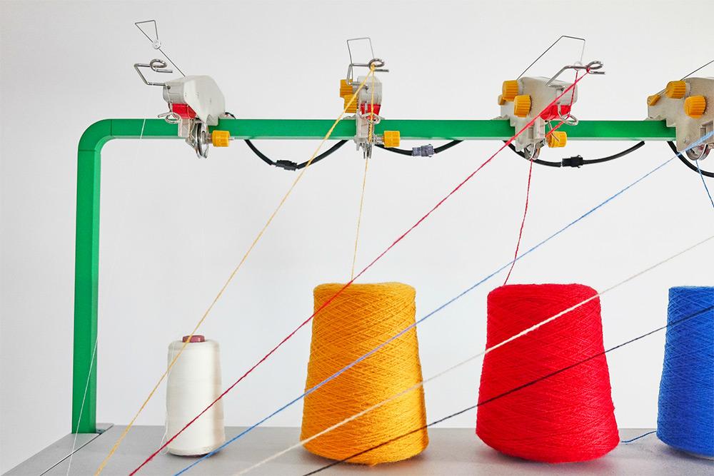 Kniterate: A New Digital Knitting Machine Lets You 'Print' Fashion Designs