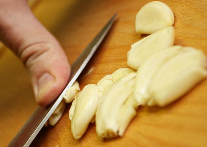 Как сделать чистку чесноком