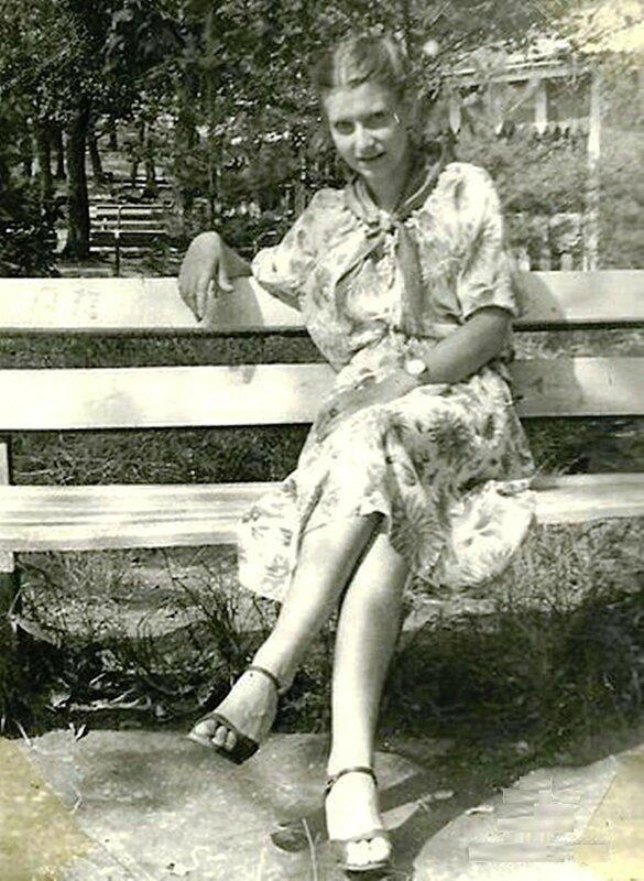 Вожатая в п.л. Орлёнок на Воронеже. 1982 г..jpg