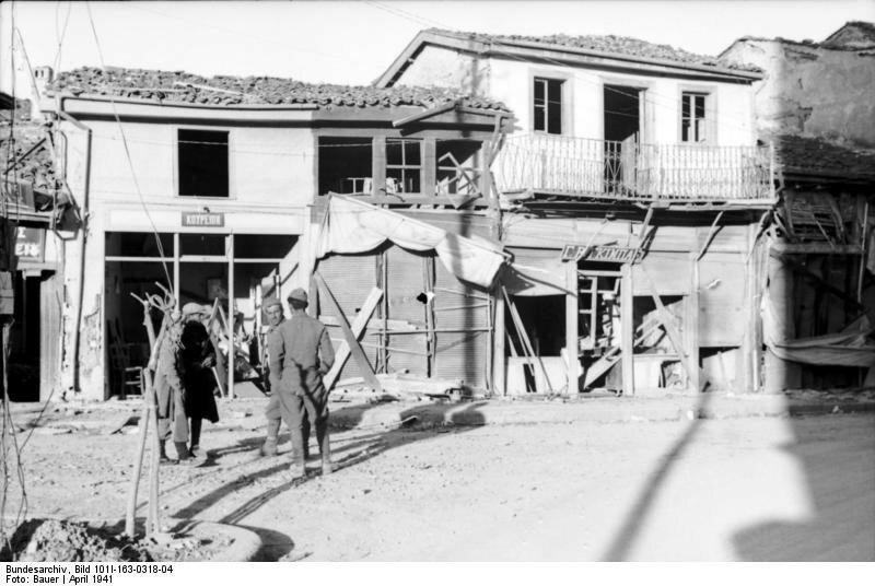 Griechenland, beschдdigte Gebдude in Ortschaft