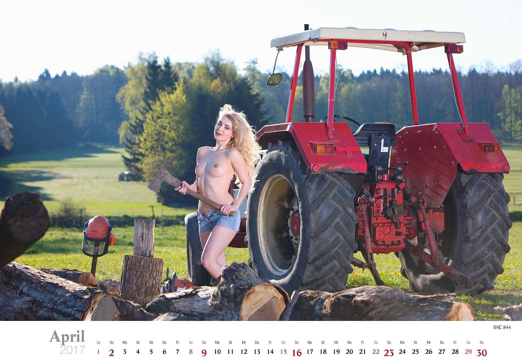 Девушки и трактора в эротическом календаре 2017 / IHC 844 - Jungbauerntraume calendar 2017