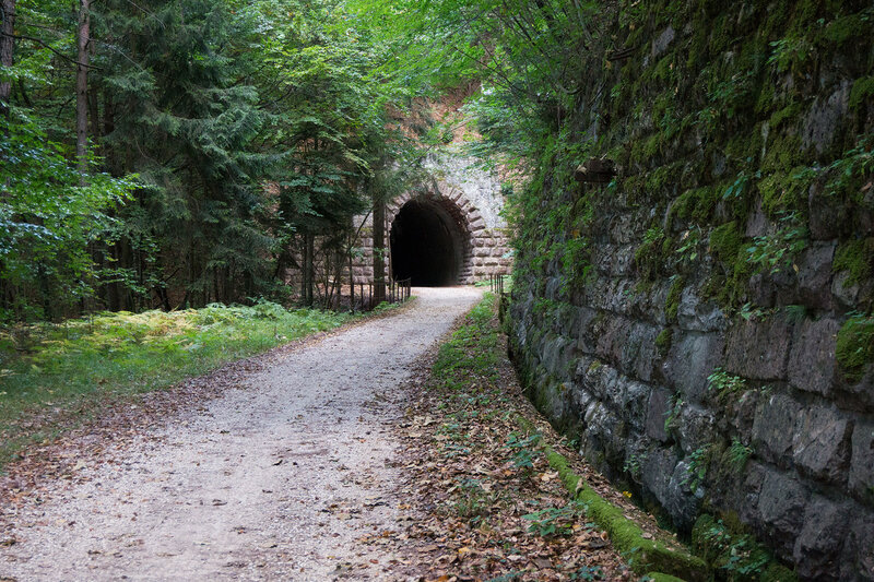 веломаршрут по заброшенной железной дороге с туннелем
