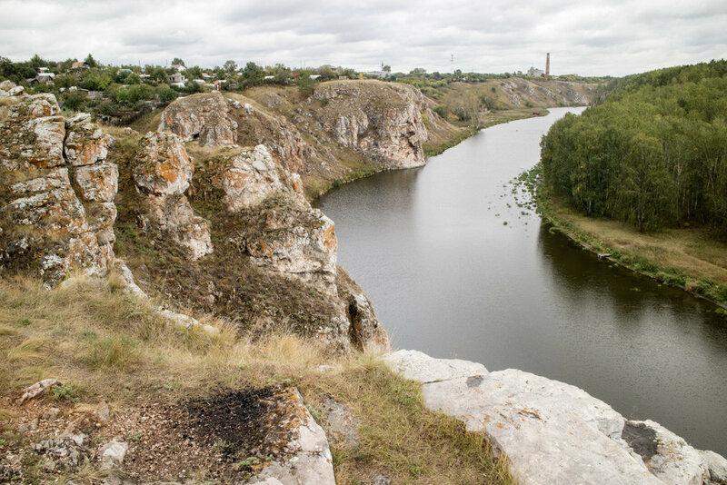 Река Исеть, изгиб реки в районе Трех пещер у города Каменск-Уральский