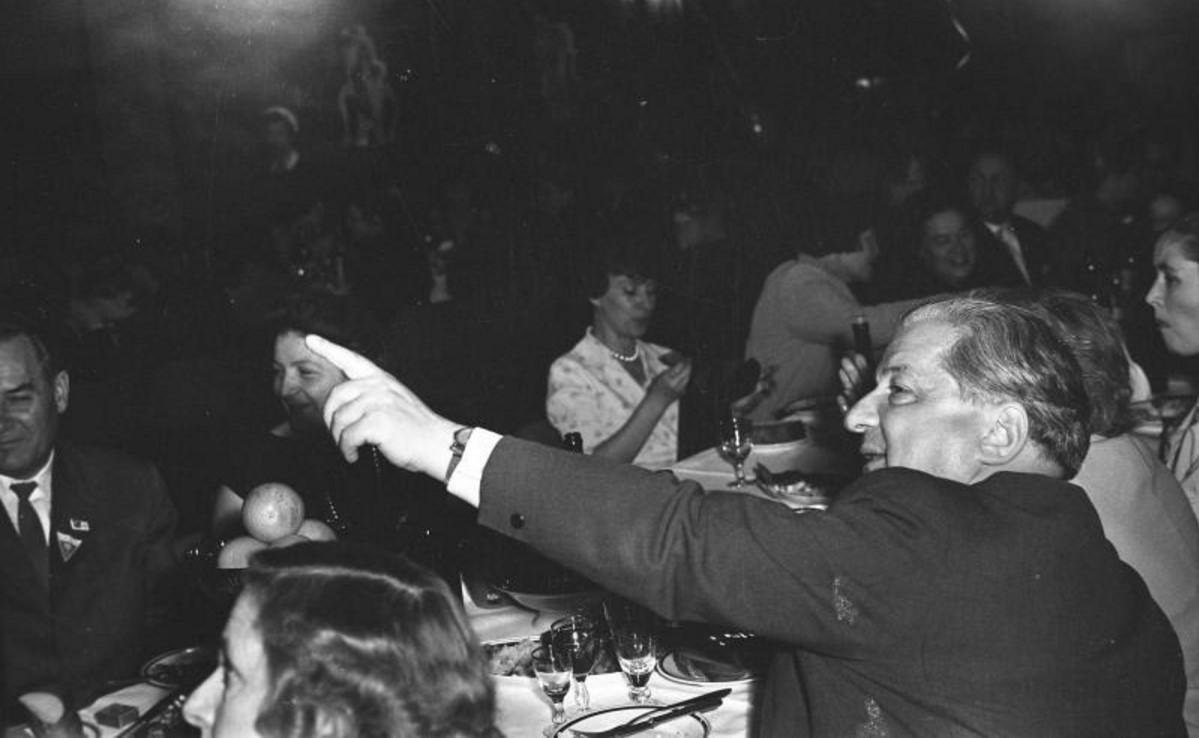 1973. 18 лет журналу «Юность». Застолье на теплоходе. И. Андроников