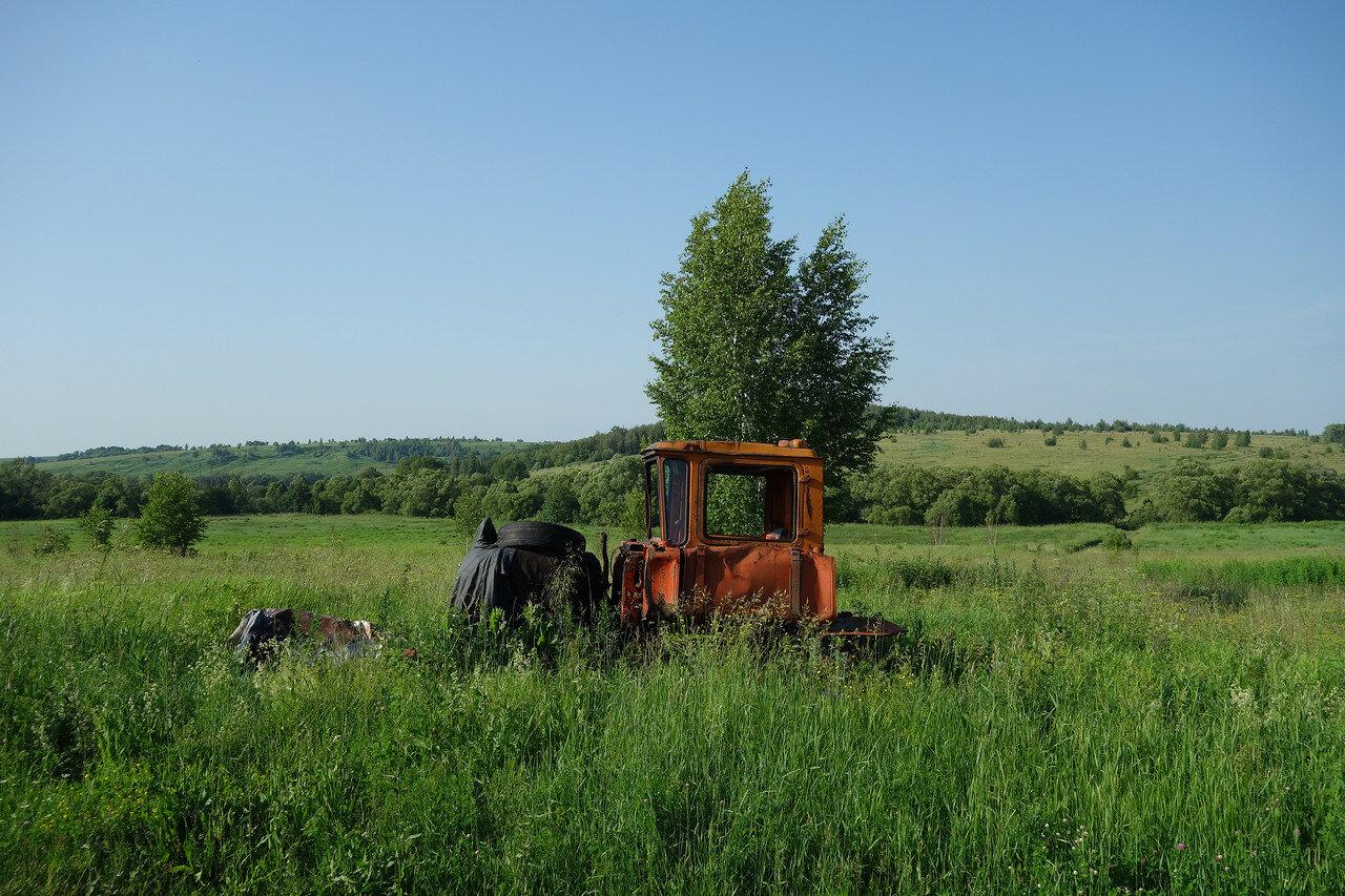 могила трактора...