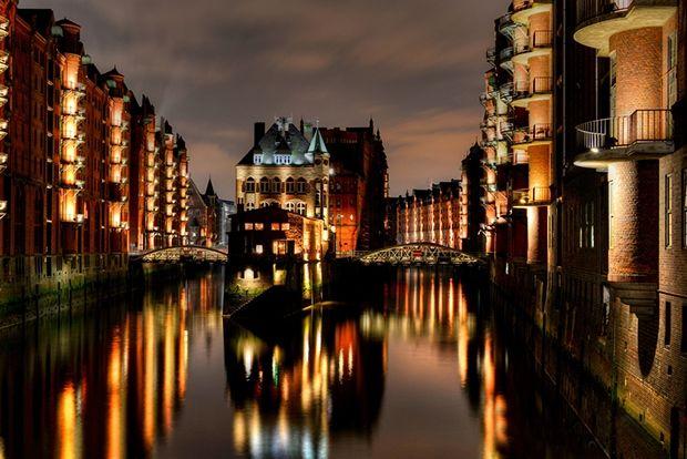 Гамбург, Германия, 73 евро в сутки В Гамбурге не так много памятников средневекового прошлого. Стари