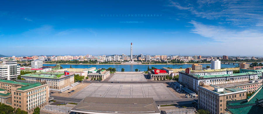 4. Монумент идей Чучхе и площадь Ким Ир Сена