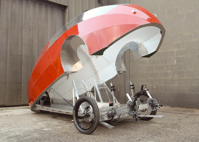 5. Для производства транспортного средства были использованы легкие материалы, среди которых алюмини