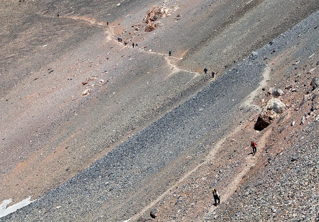 8. В Фанах находятся вершины, которые превышают пять тысяч метров. Самая высокая вершина — Чимтарга