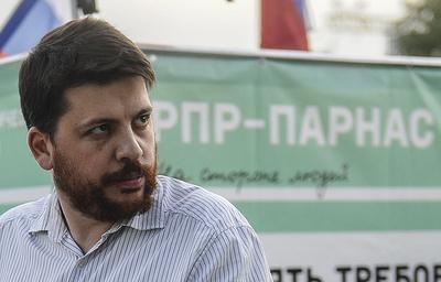 Оппозиционера Волкова вынудили выплатить штраф по«микрофонному делу»