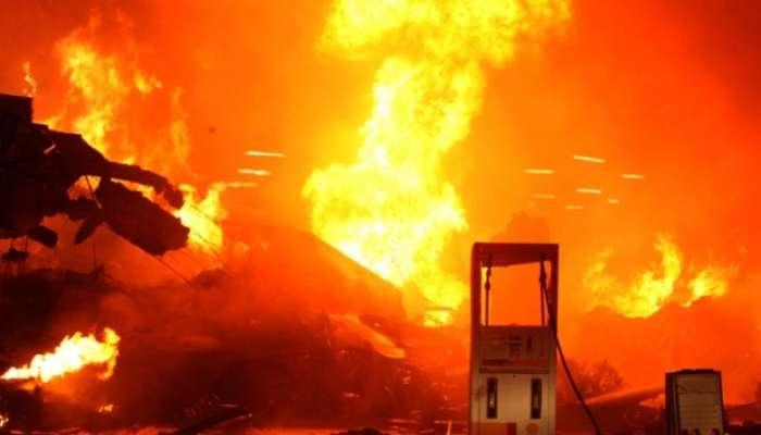 ВБлаговещенске полыхает склад пиротехники, пожар гасят 130 человек