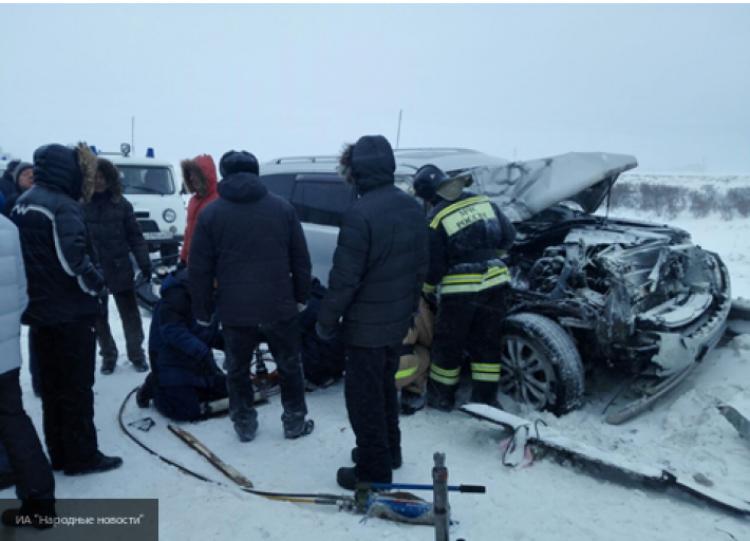 Влобовой трагедии под Омском сбольшегрузом илегковушкой погибли три человека