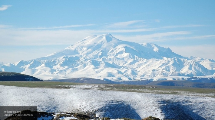 Два альпиниста из РФ наЭльбрусе попросили помощь спасателей