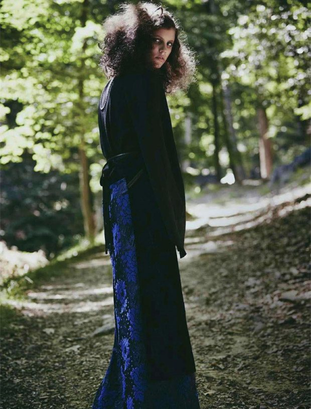 Website: www.elle.ru Related Post Prim by Emma Pritchard and Emin Kadi Simple Chic ft Monika Hetner