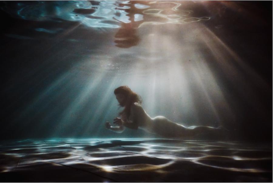 28. Underwater Sensual Portraits .