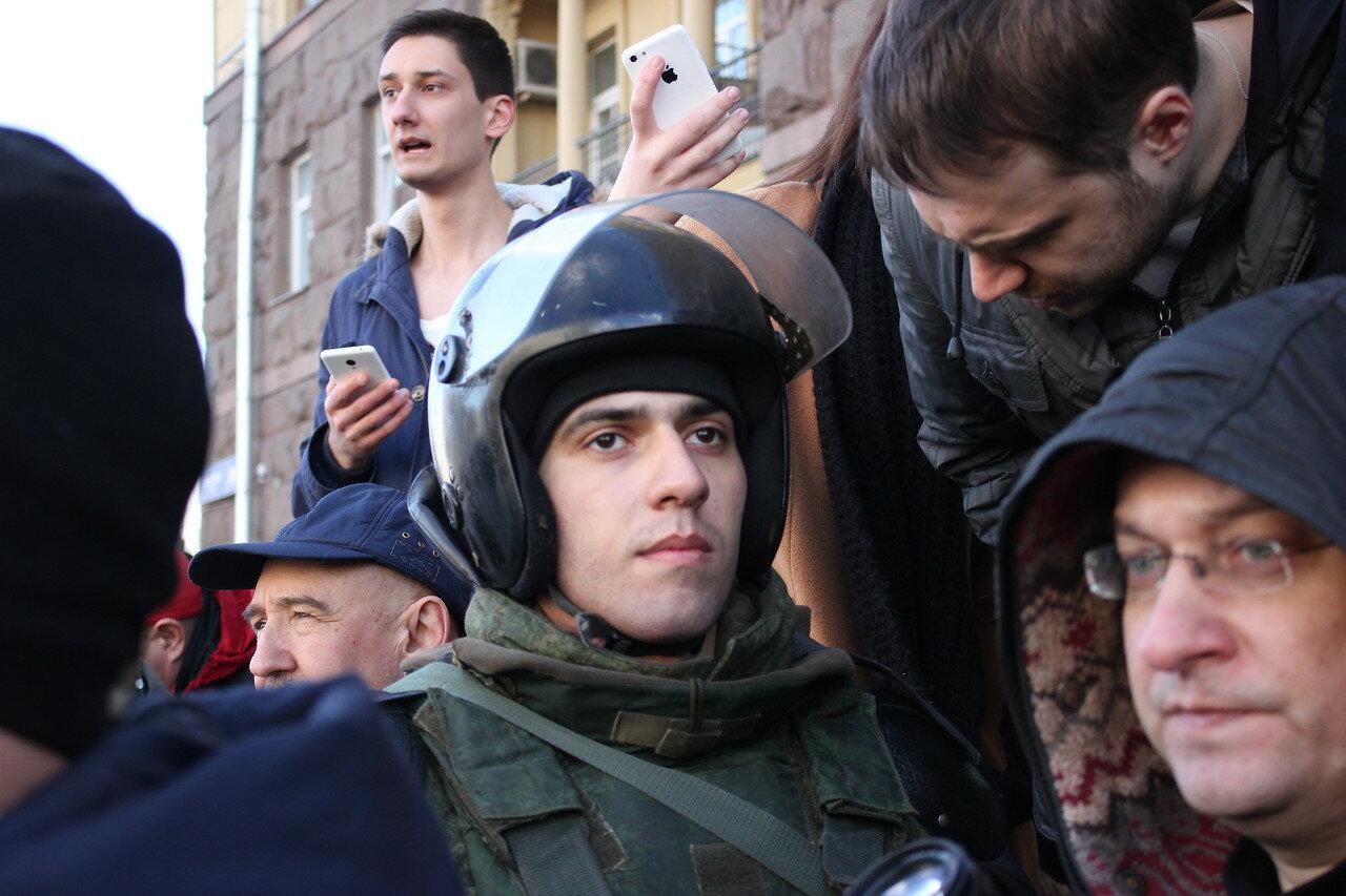 Массовые задержания на антикоррупционной акции в Москве