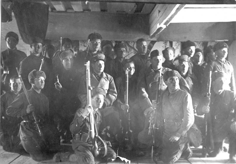Советские бойцы на просмотре кинофильма во время отдыха. 42.jpg