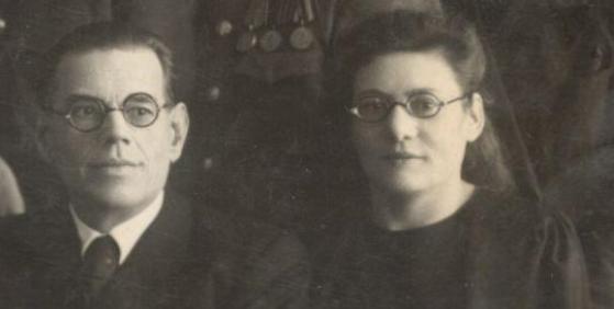 Алексей Иванович с женой.PNG