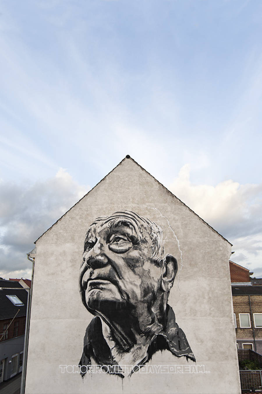 Realistic Giant Portraits on Murals by ECB