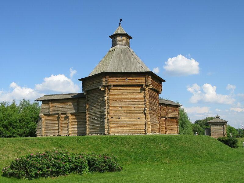 Башни Сумского и Братского острогов в Коломенском