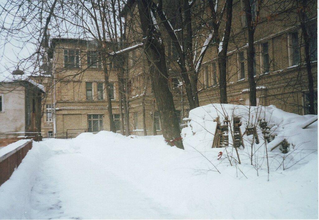12974 Бывшая школа № 240 на Рождественке 1980.jpg