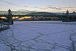 Лёд и мост