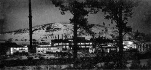 Верхний Уфалей. Панорама никелевого завода в ночное время. 1937