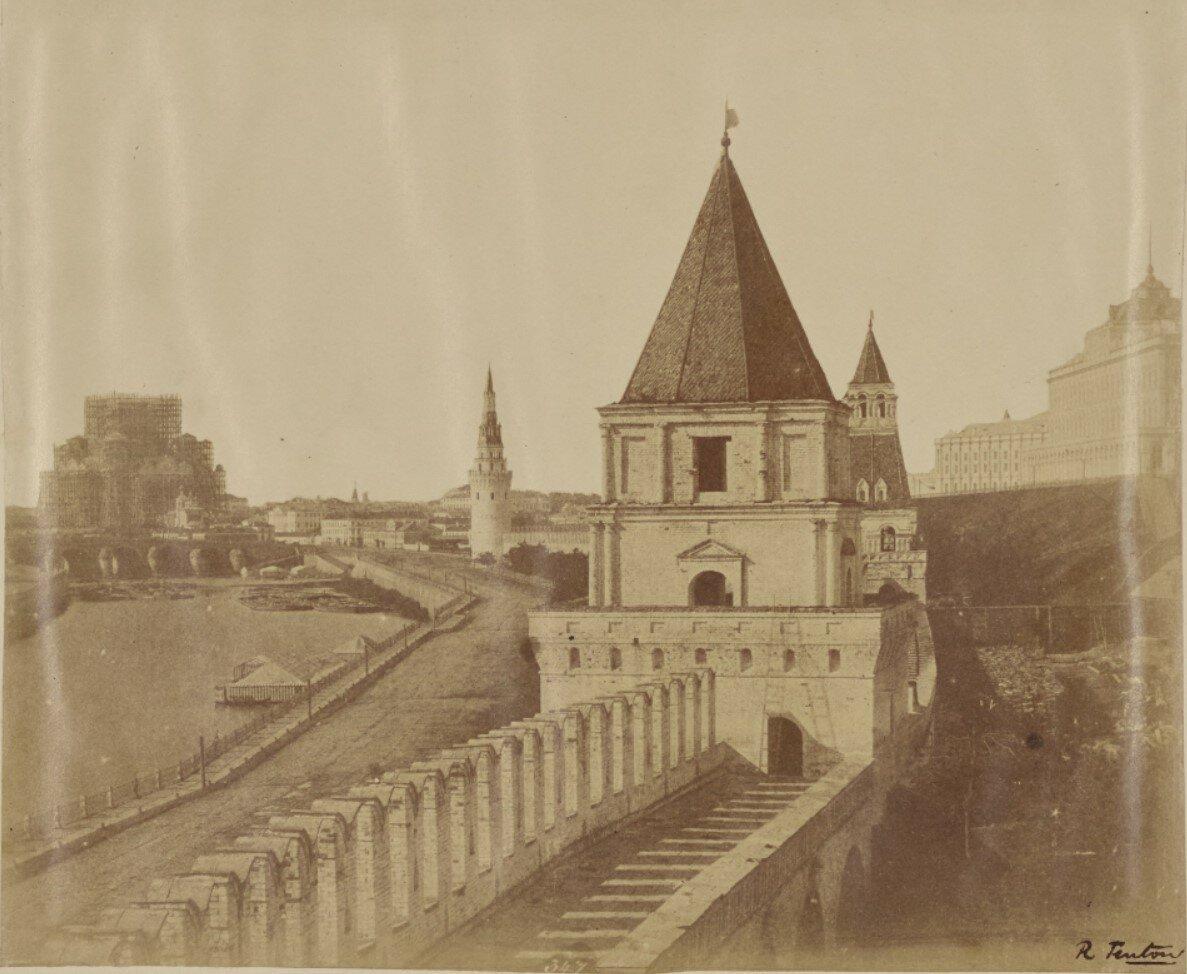 Вид Кремлевской стены и дворца