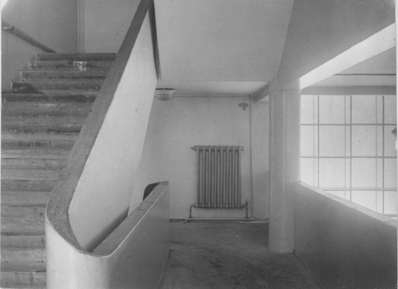 Внутрениий вид здания. Фрагмент лестницы