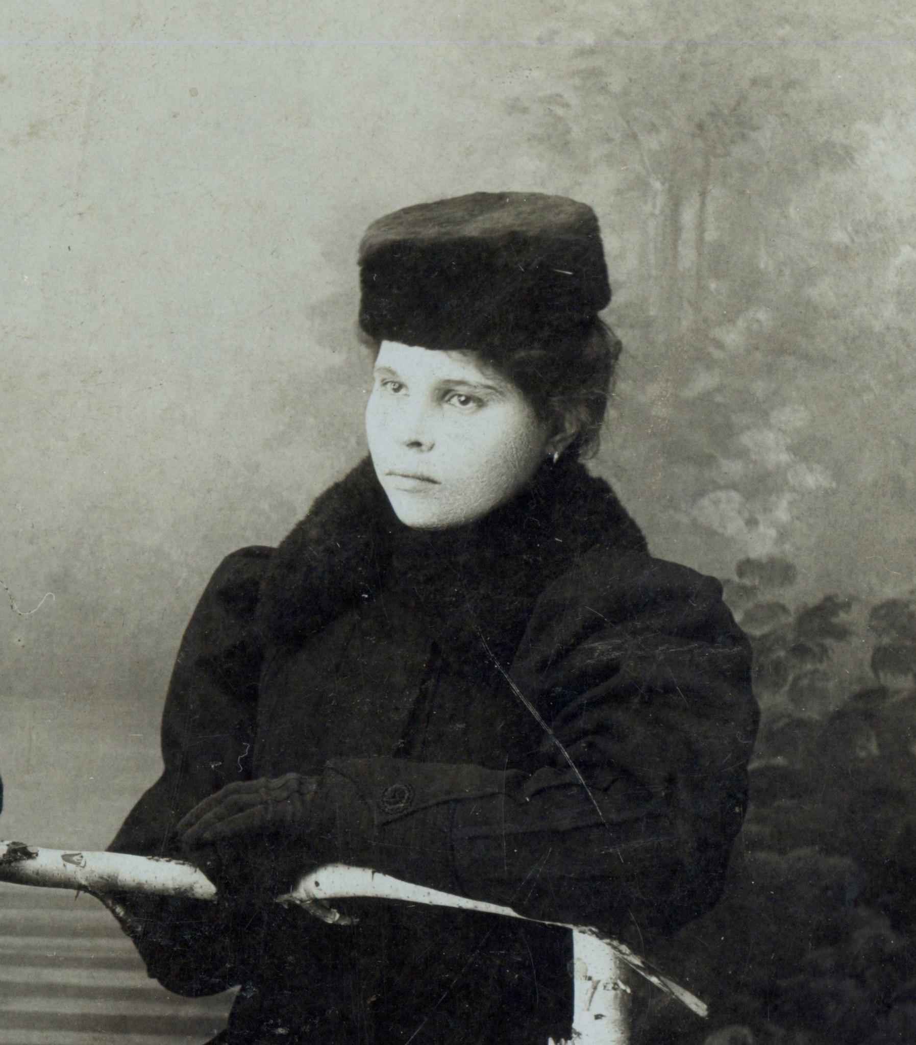 Пелагея Гречко, первая Ново-николаевская красавица, 1910-е г.