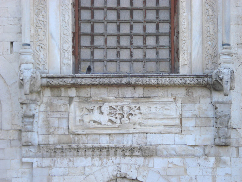 047-восточное окно (нижняя часть).jpg